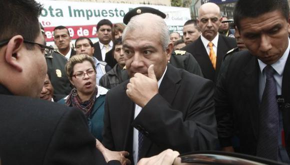 PONE EL OJO. Ministro Pedraza anuncia que funcionarios y trabajadores pasarán bajo filtros severos. (César Fajardo)