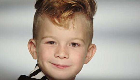 Este niño rompe estereotipos al ser la nueva imagen en publicidad de Barbie. (YouTube)