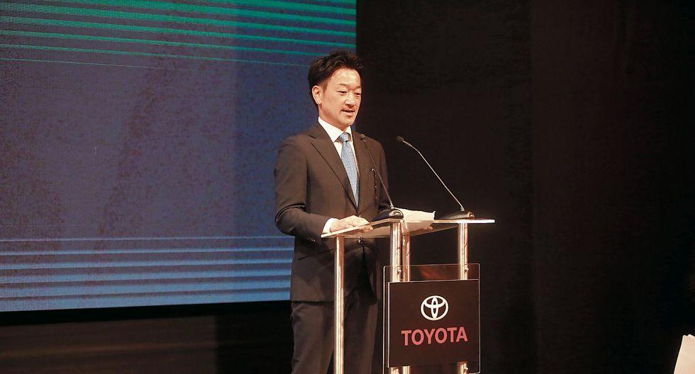 Llegada. Hori fue recibido por altos ejecutivos de Toyota y varias personalidades del sector privado.