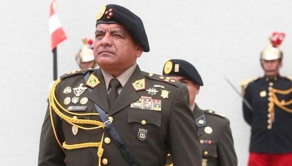 César Astudillo se retira tras 43 años de servicio.