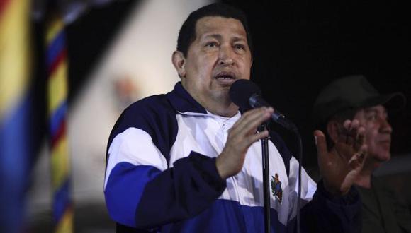 Expertos dudan que Chávez viva para ver resultados de comicios. (Reuters)