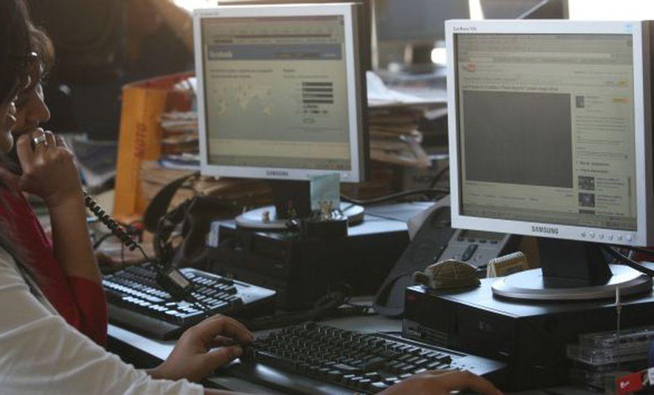 Afectados. Peruanos son perjudicados por los servicios. (USI)