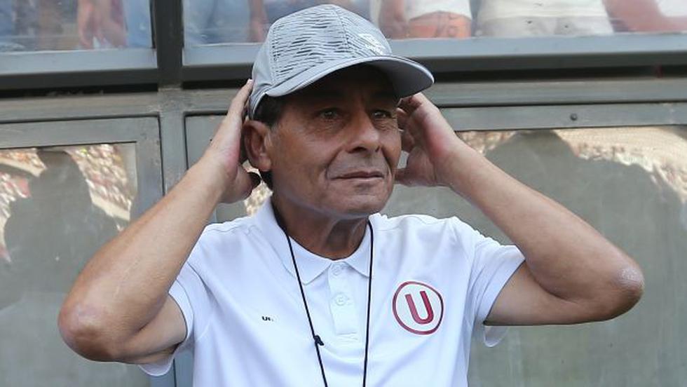 Sonríe de oreja a oreja. Roberto Chale contento por triunfo de Universitario de Deportes en el Torneo Apertura 2016. (USI)