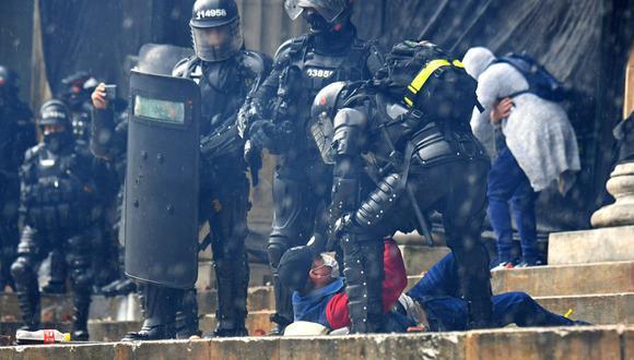 El descontento social sigue volcado en las calles, donde también se han vivido caóticos días de violencia y destrucción. (Foto: JUAN BARRETO / AFP)