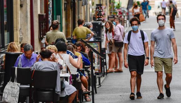 Francia prepara nuevas restricciones tras récord de contagios de coronavirus. (EFE/CAROLINE BLUMBERG).