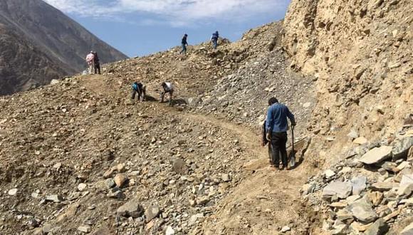 Los pobladores cuestionaron a sus autoridades por no brindarles el apoyo antes la emergencia que ocurría en el lugar (foto: Anexo Huayrani-Huancano)