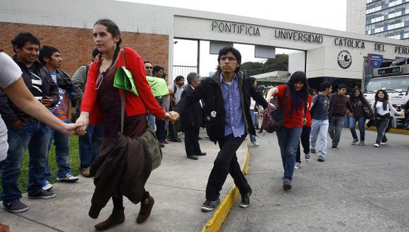 Iglesia pone sus condiciones y estudiantes advierten que defenderán a su claustro de la intervención. (Alberto Orbegozo)