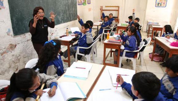 PROBLEMA. Precios 'inflados' limitan el acceso de miles de escolares a textos educativos de calidad. (Heiner Aparicio)