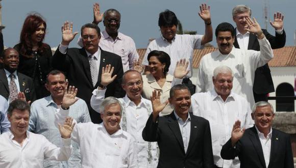 OTRA FOTO MÁS. Donde siempre hay consenso es en mostrar la mejor sonrisa para la fotografía oficial. (AP)