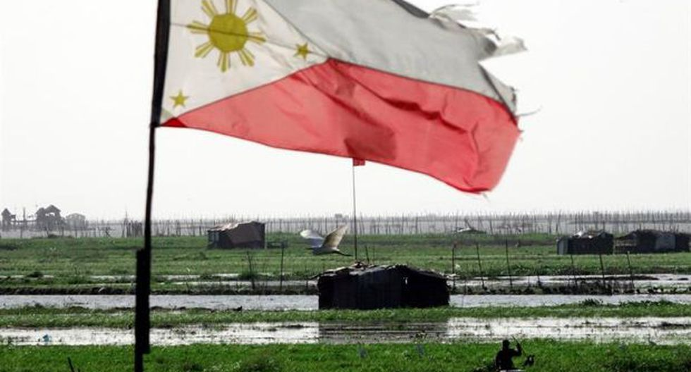 Del total de afectados, 58 mil filipinos son atendidos una semana después de la tormenta en centros de acogida en las regiones central y septentrional del país, las más afectadas. (Foto: EFE)