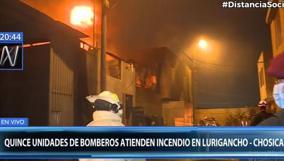 El incendio en un almacén de Chosica fue controlado por los bomberos. (Foto: Canal N)