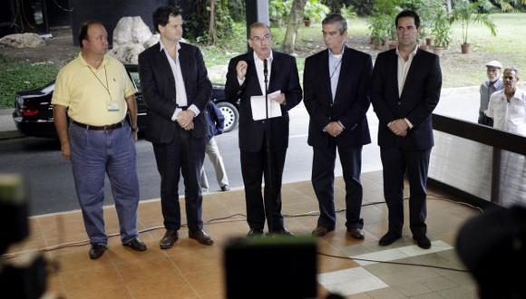 Equipo de negociación del Gobierno colombiano ofreció una conferencia de prensa en La Habana. (Reuters)