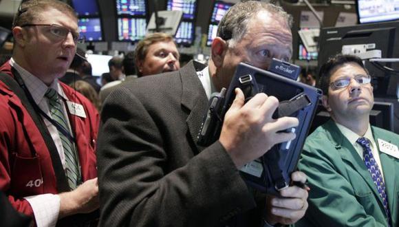 Wall Street se desploma ante temores por el precio del petróleo. (Perú21)