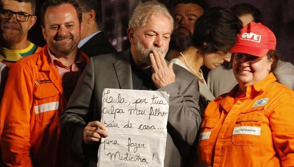 El ex presidente brasileño Luiz Inácio Lula da Silva concluye su gira por los estados del Sur de Brasil