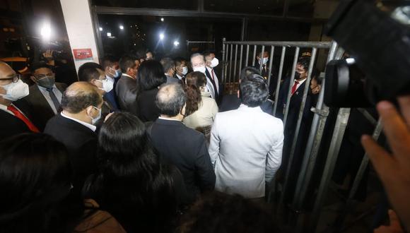 Nuevo gobierno no permite el ingreso de la prensa a juramentación de ministros. (Foto: GEC)
