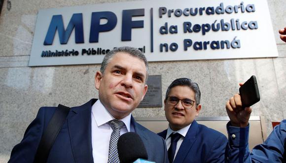 Los fiscales Rafael Vela Barba y José Domingo Pérez tendrán diligencias hoy y mañana. (Foto: EFE)