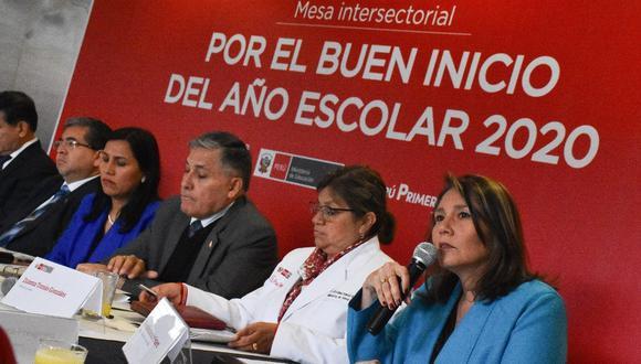 La ministra Bustamante señaló el Gabinete Ministerial tiene altas expectativas sobre el diálogo entre Vizcarra y Olaechea.(Foto: Midis)