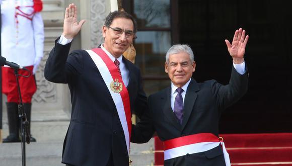 El presidente de la República, Martín Vizcarra aseguró que el presidente de Consejo de Ministros, César Villanueva, continuará en su cargo. (Foto: Andina)
