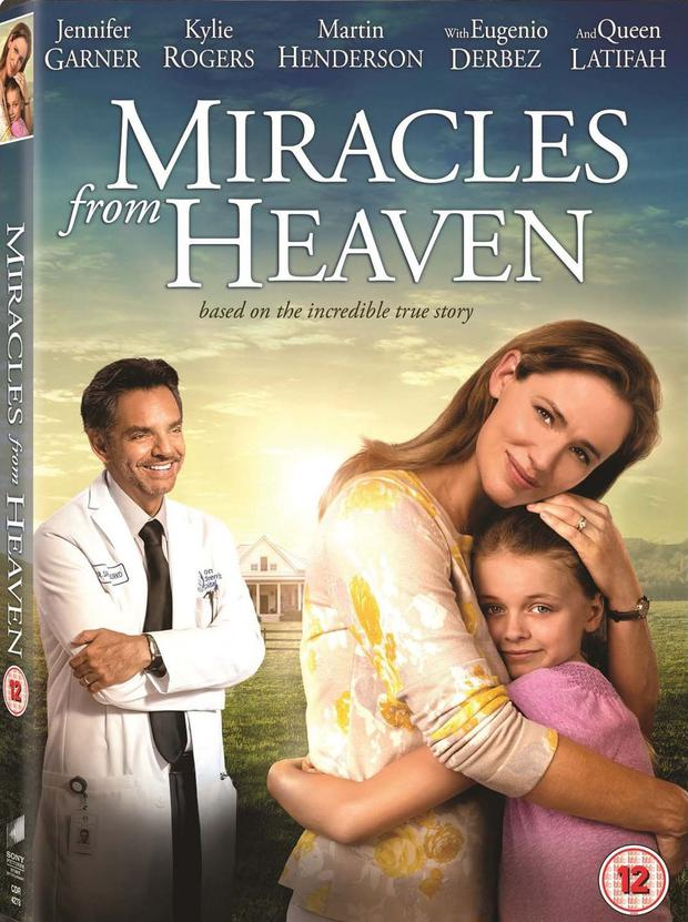 """""""Miracles From Heaven"""" poster in Spanish """"Milagros del cielo"""" (Photo: Sony Pictures Entertainment)"""