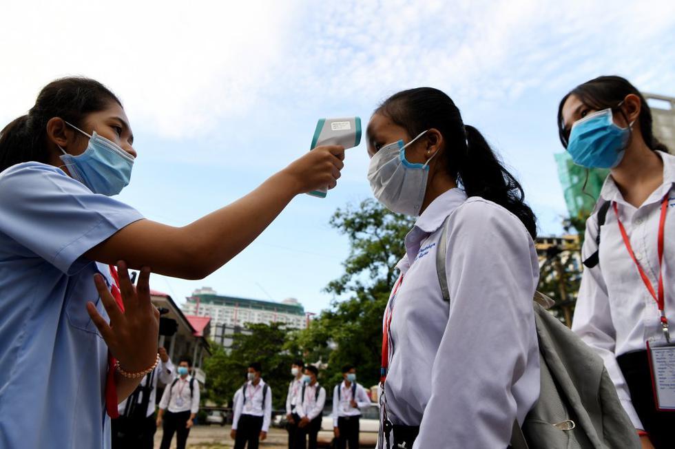 Camboya reabre después de tres meses de cierre por la pandemia. (Foto: TANG CHHIN Sothy / AFP)