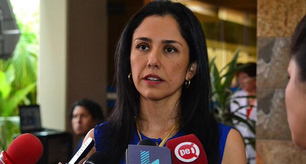 Juez concluye que no existen elementos probatorios para enviar a prisión a Nadine Heredia.