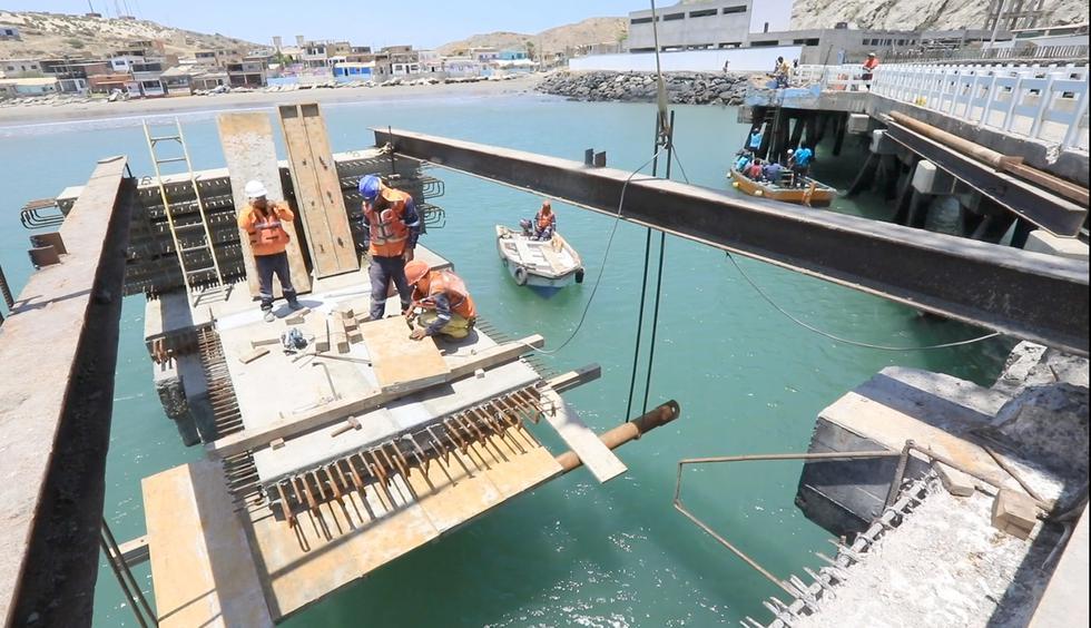 Piura: Ministro de la Producción promete un Desembarcadero Pesquero Artesanal a fin de año. (Produce)