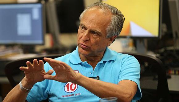 Francisco Diez Canseco retira su candidatura presidencial. (Perú21)