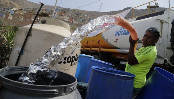 Los cisternas de Sedapal seguirán distribuyendo agua en las zonas altas. (Sedapal)