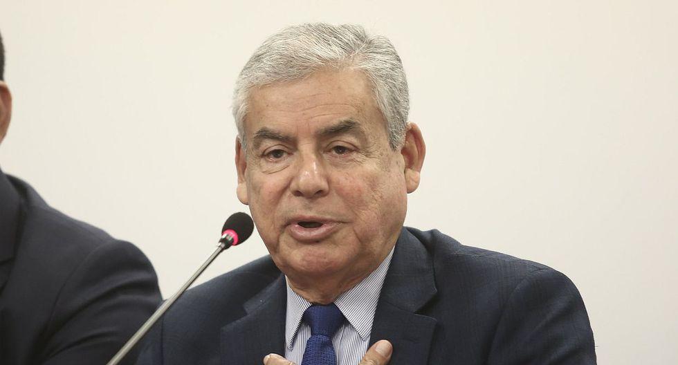 El presidente del Consejo de MInistros, César Villanueva, evitó opinar sobre los planteamientos de congresistas para incluir más preguntas en el referéndum. (Foto: USI)