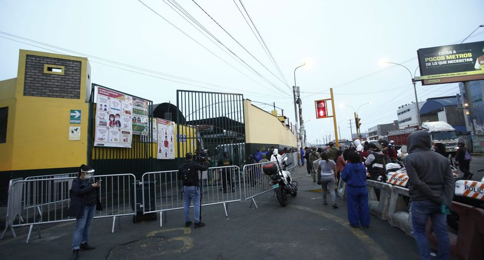 El ingreso se realizó de forma ordenada. (Foto: Andrés Paredes/GEC)