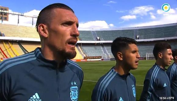 Himno de Argentina fue interrumpido por fuegos artificiales en La Paz.
