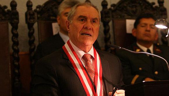 Javier Villa Stein asegura que no tiene vínculos con Benedicto Jiménez. (Heiner Aparicio)