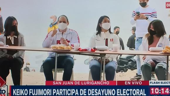 La candidata presidencial de Fuerza Popular, Keiko Fujimori, desayunó en SJL. (Foto: Captura de video)
