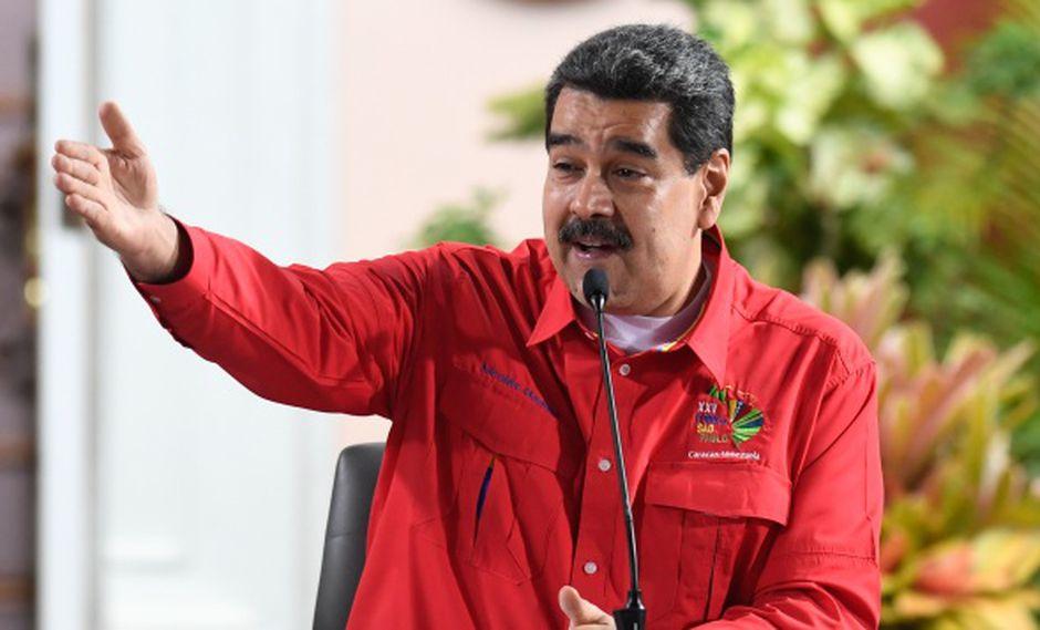 """""""Me hubiera gustado que esa serie tuviera mil capítulos porque además del entretenimiento me permitió reconectarme con la historia otra vez"""", dijo Nicolás Maduro. (Foto: AFP)"""