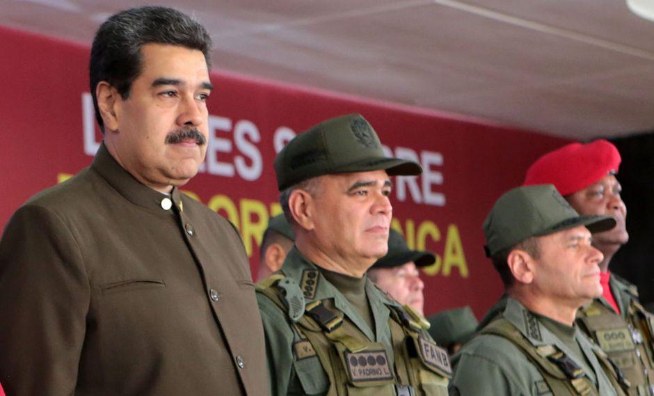 Nicolás Maduro ordenó movilizar personal militar a la frontera con Colombia. (Foto: AFP/archivo)