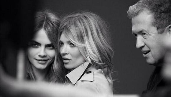 Las dos chicas malas del modelaje se juntan. (@mariotestino en Twitter/Burberry)