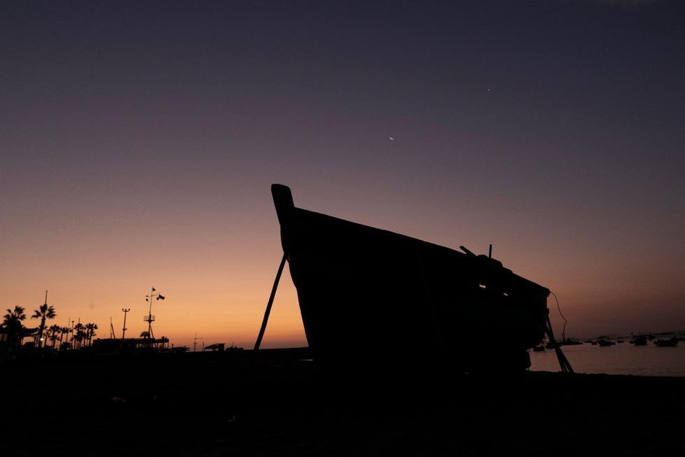 Mira estas espectaculares fotografías de la Luna y Venus captadas desde Chorrillos. (Renzo Salazar)