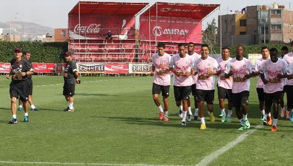 Pablo Bengoechea inició microciclo con 14 jugadores (Foto: FPF)