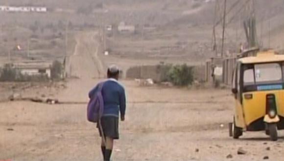 Video podría dar pistas de quién asesinó a niña de 10 años en descampado de Mala. (América)