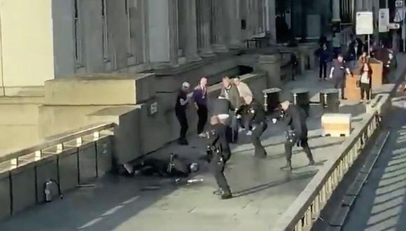 """Las fuerzas de seguridad investigan ahora los detalles del suceso y las motivaciones del ataque, sobre las cuales mantienen la """"mente abierta""""."""