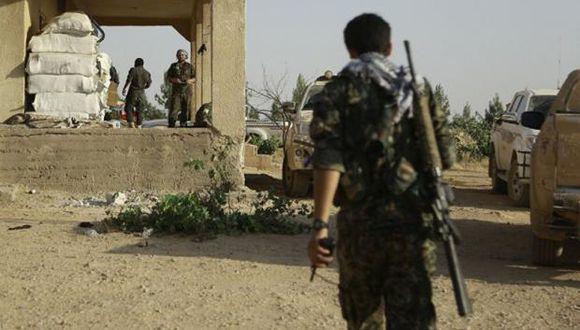 """Entregaron """"doce huérfanos de las familias del EI a una delegación del ministerio francés de Relaciones Exteriores"""", dijo Abdelkarim Omar, un alto responsable de Exteriores de la administración kurda. (Foto: AFP)"""