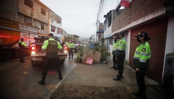 El cadáver fue levantado e internado en la morgue de Lima. (Foto: César Grados)
