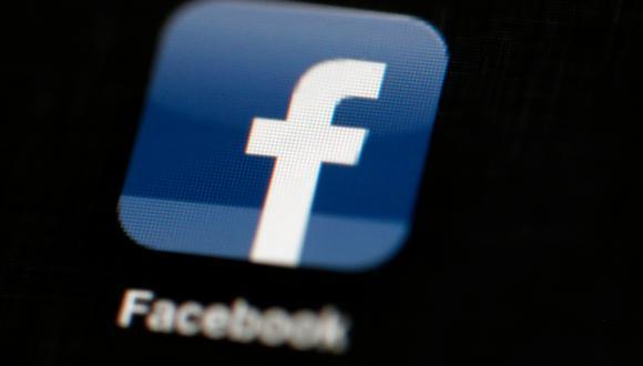 Facebook fue investigado por el escándalo de Cambridge Analytica. (Foto: AP)