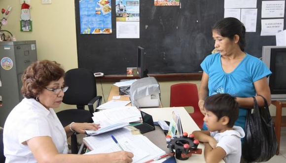 Los colegios deben informar a los padres de familia sobre la matrícula y los compromisos que asumirán en el año escolar. (USI)