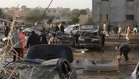 Atentado en Libia: Al menos 65 muertos tras estallido de camión bomba contra academia. (@NadiaR_LY/Twitter)