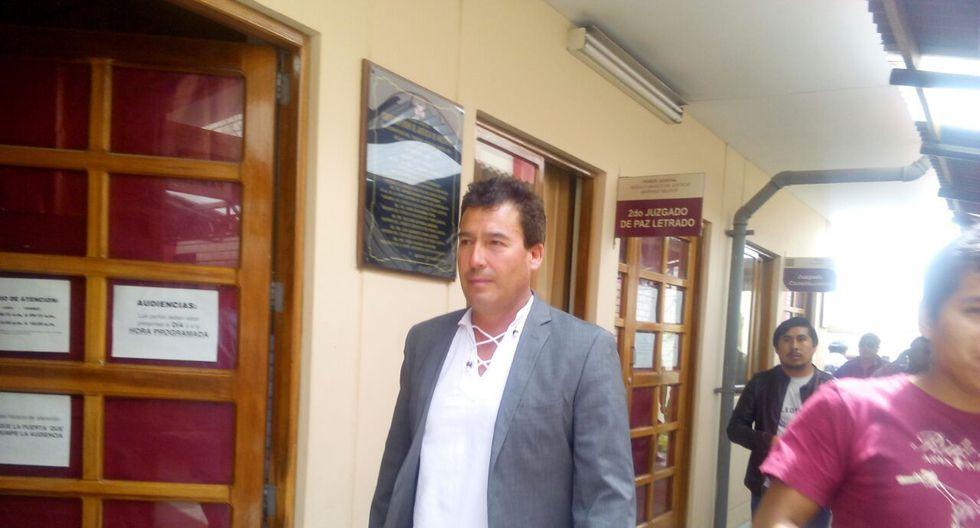 Alcalde de Mariano Melgar, Edwin Martíinez, pidió disculpas por haber conducido en estado de ebriedad.