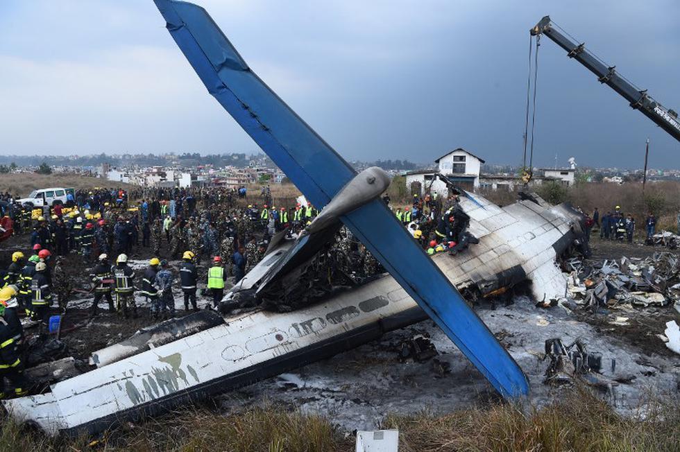 Cae avión en Nepal