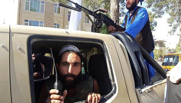 Los talibanes salieron a las calles este martes para celebrar con disparos al aire. (Foto: AFP)