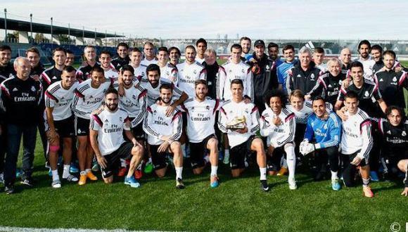 Cristiano Ronaldo dedicó Bota de Oro a sus compañeros del Real Madrid. (Facebook)