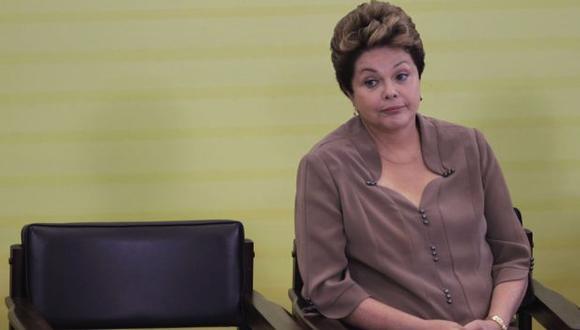 Acechada. Presidenta Dilma Rousseff se va quedando sola en su lucha contra la corrupción. (Reueters)